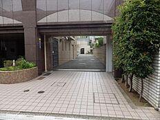 駐車場 入口