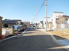 前面道路約6m幅員の公道です。