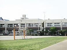 清瀬小学校 約670m