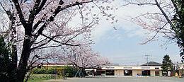 鶴川平和台幼稚園まで約110m