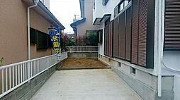駐車場と庭