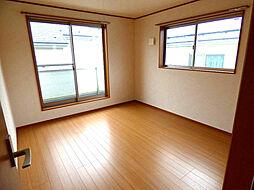 西側2F洋室