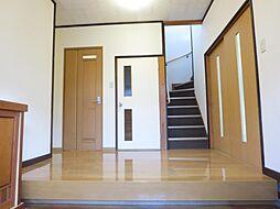 玄関からホール...