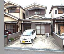 普通車2台駐車可能です。