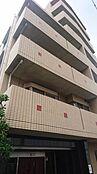 外観 2004年7月竣工で、総戸数39戸の「ゼファー明大前クローチェ」は京王井の頭線「明大前」駅徒歩7分、「永福町」駅徒歩8分の2駅利用可能。