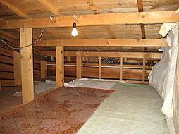 屋根裏収納スペ...