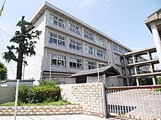 加古川市立氷丘小学校まで879m
