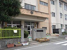 小学校雄湊小学校まで412m