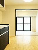 ダイニングキッチン 6.8畳 洋室 4.5畳