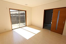 和室と合わせて20帖の大きな空間です。お客様が大勢いらしても、ゆったりおくつろぎ頂けます。