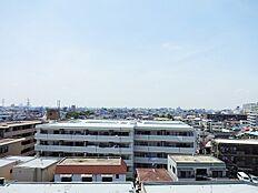 住戸からの眺めです。高層階のため開放感いっぱいの眺望が魅力です。