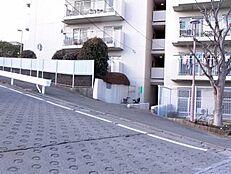 JR横浜線「町田」駅徒歩8分 2路線利用可能 閑静な住宅街 新規内装リフォーム済 日当り良好