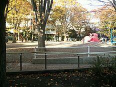 公園練馬区立豊玉中公園庭球場まで644m