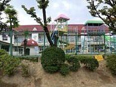 成瀬台幼稚園(559m)