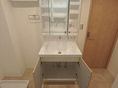 収納力ある洗面台はグレードも高く使い勝手が良さそうです
