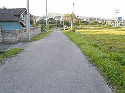 西側 前面道路