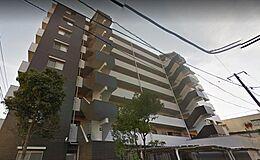 地上8階建ての築浅マンション