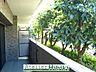 優しい雰囲気の植栽でプライバシーを確保しています。,3LDK,面積56.09m2,価格1,980万円,西武新宿線 久米川駅 徒歩4分,西武多摩湖線 八坂駅 徒歩8分,東京都東村山市栄町2丁目14-2