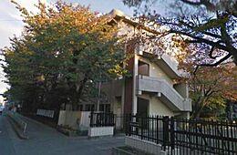 武蔵村山市立雷塚小学校 480m