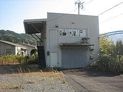倉庫(右側の映...
