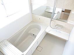 浴室LIXIL...