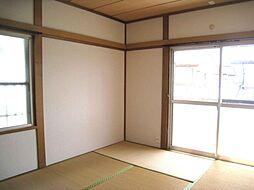 2階寝室も陽当...