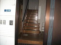 玄関 階段
