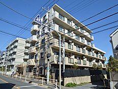 西武新宿線小平駅徒歩7分。内装リノベーションされたマンションのご紹介です。