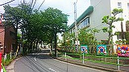 やくし幼稚園230M、木根川保育園220Mと保育施設が3分圏内です