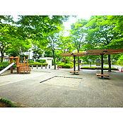 敷地内には公園完備しております。