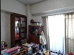 北西洋室。北側ですが、バルコニーがあり、明るいお部屋です。(2019年2月15日撮影)