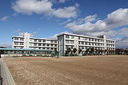 中学校姫路市立朝日中学校まで1880m