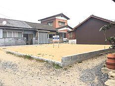 形もよく、日当たりもよい土地です立地もよく、価格は350万円さらに、値段の相談にも応じますよ