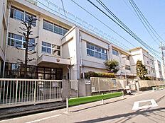 大田区立六郷小学校まで476m