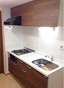 平成29年3月に大規模リフォーム済みのお部屋です。キッチン・お風呂・トイレ・洗面台等新品です。