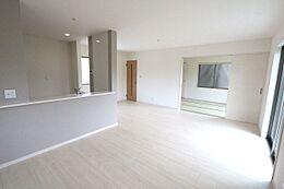和室と合わせて24帖の大きなお部屋カウンターキッチンを採用し、ご家族の会話もはずみます。