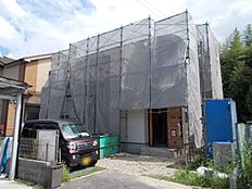 現在建築中。上棟しましたので構造部分もご確認頂けます。(2017年8月上旬撮影)