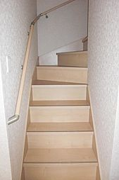 手摺付の階段。