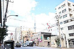 「現地周辺」スカイツリーのお膝元。人気の墨田区亀沢、両国から錦糸町間で便利なロケーション。