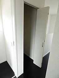2F廊下収納で...