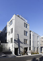 東京都港区赤坂8丁目の賃貸マンションの外観
