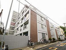 総武中央線、大江戸線「東中野」駅徒歩7分。都心へのアクセス良好です