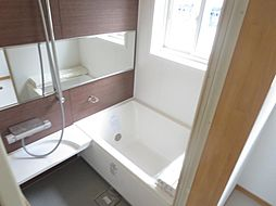 浴室はLIXI...