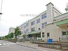 小学校まで320m、「竹の塚小学校」徒歩4分