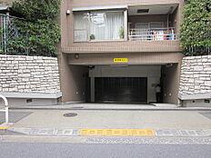 駐車場の出入口
