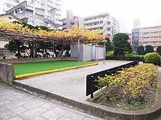 敷地内には公園もあります