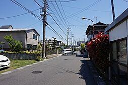 綺麗な舗装道路...