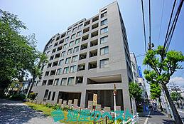 中野区中野5丁目。3沿線利用可能で便利な立地。7階部分に付き明るく開放的なお住まいです。