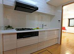 独立キッチンゆったり3帖。使い勝手の良いシステムキッチン新規交換済みです。