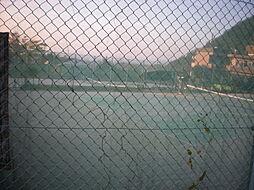 近くにテニスコ...
